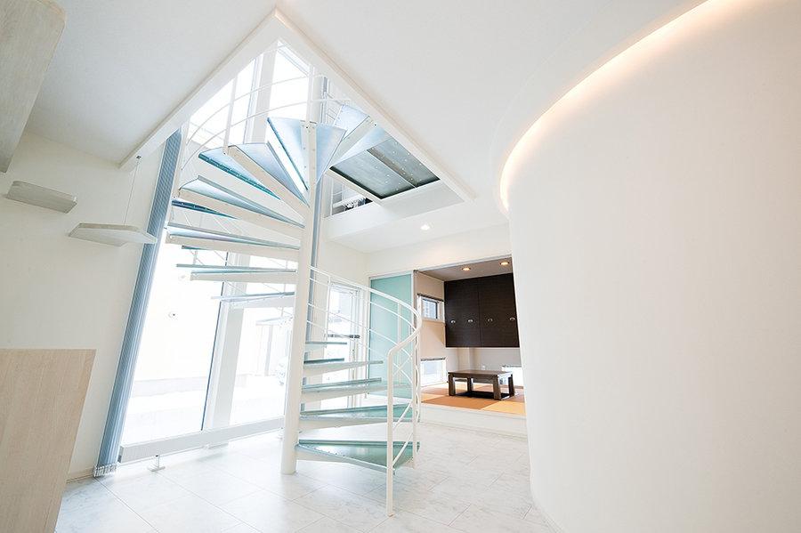 【美しく印象的なデザイン住宅で、ペットと一緒の暮らし】ヴァーチャルモデルハウス